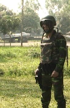 Lực lượng chuyên trách chống khủng bố của đoàn đặc công M1 với mũ, giáp chống đạn và kính nhìn đêm.