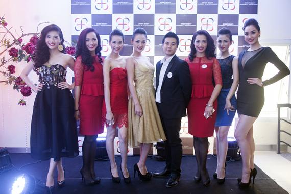Dàn người mẫu của công ty BBplus dưới sự dìu dắt của 2 chị em Thuý Hằng - Thuý Hạnh