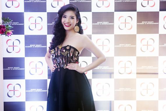 Ngôi sao người mẫu tương lai 2013 - Phan Hoàng Thu.