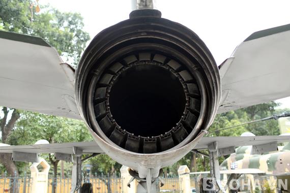 Động cơ Tumansky R-25-300 có sức đẩy 7.065kg