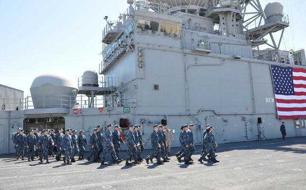 Tàu được đặt ky năm 2009, dài 257m, rộng 32m, lượng giãn nước 44.971 tấn, tốc độ 22 hải lý/giờ.