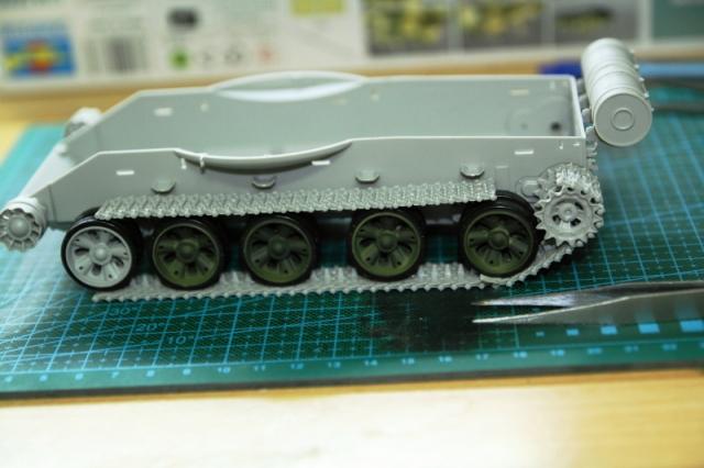 Chiếc xe tăng T-62 đã dần thành hình