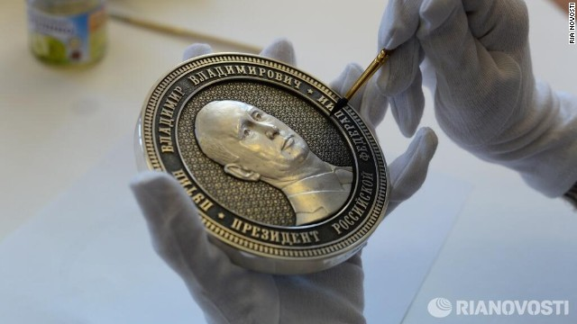 Đồng tiền kỉ niệm sự kiện Crimea sáp nhập Nga.