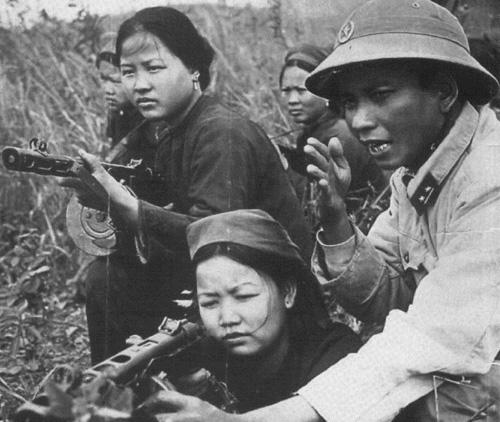 Dân quân tự vệ và bộ đội địa phương.
