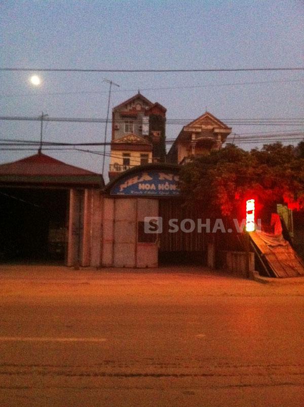 Nhà nghỉ Hoa Hồng, nơi các gái bán dâm bị bắt quả tang.