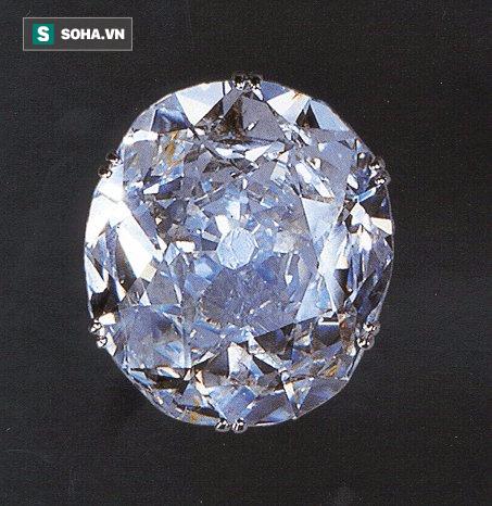 Quá khứ đẫm máu của viên kim cương nổi tiếng nhất nước Anh - Ảnh 1.