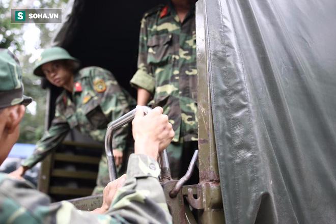 Hàng trăm chiến sĩ ngày thứ 2 tìm kiếm trực thăng rơi ở Vũng Tàu - Ảnh 2.