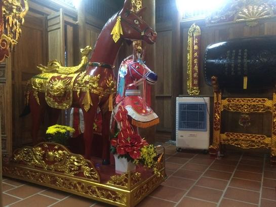 Cận cảnh bên trong nhà thờ trăm tỉ tráng lệ của Hoài Linh - Ảnh 7.
