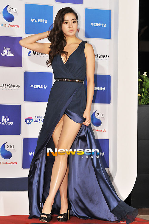 Vừa công khai hẹn hò Hyun Bin, Kang Sora đã bị so sánh với Song Hye Kyo - Ảnh 11.