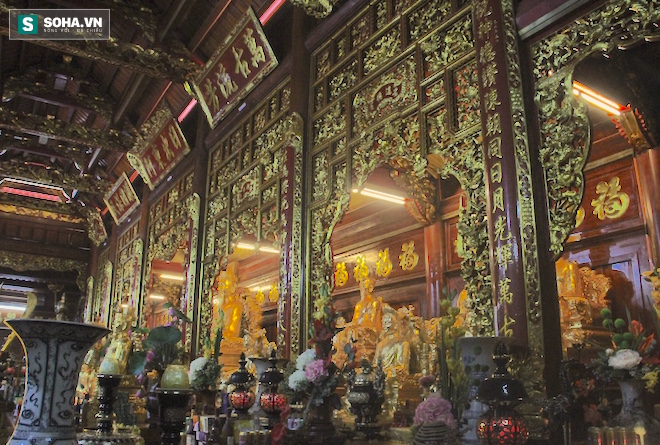 Những pho tượng dát vàng trong đền thờ độc đáo bậc nhất Việt Nam - Ảnh 24.