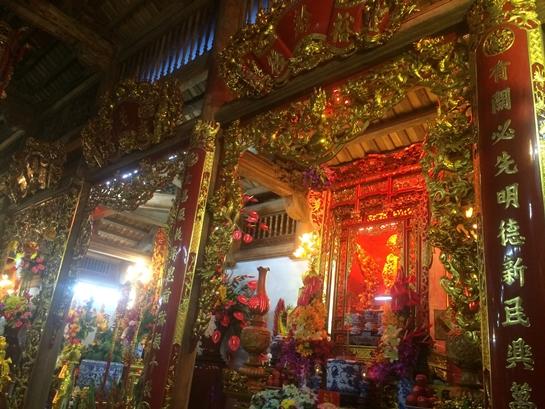 Cận cảnh bên trong nhà thờ trăm tỉ tráng lệ của Hoài Linh - Ảnh 9.