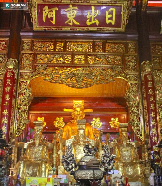Những pho tượng dát vàng trong đền thờ độc đáo bậc nhất Việt Nam - Ảnh 27.
