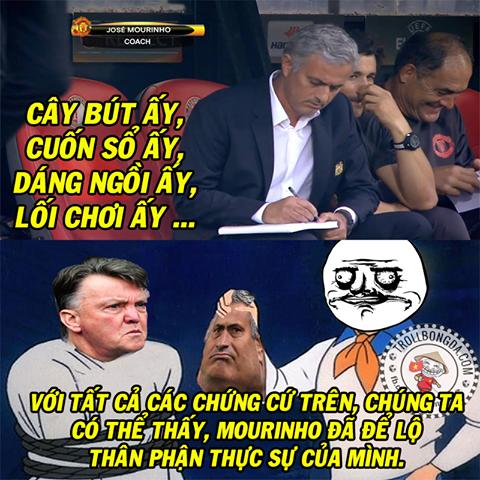 Ảnh chế: Man United bị lừa bán cho Pogba fake? - Ảnh 1.