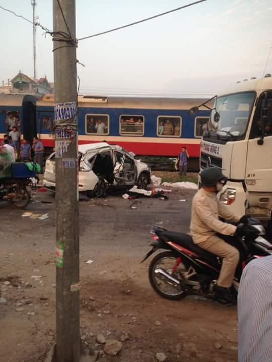 Lời kể nhân chứng vụ tai nạn tàu hỏa khiến 5 người chết ở Hà Nội - Ảnh 4.