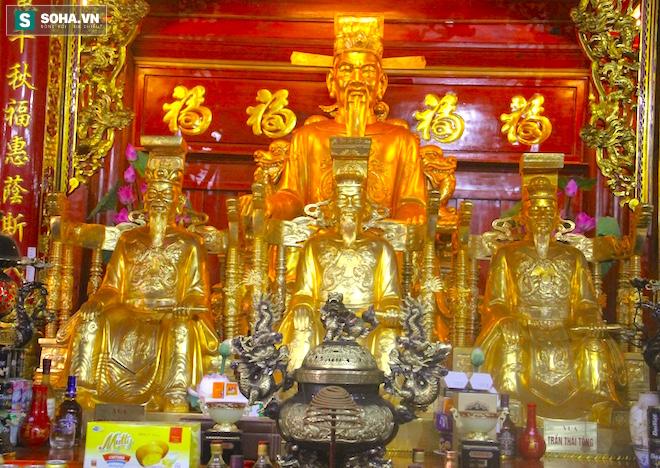 Những pho tượng dát vàng trong đền thờ độc đáo bậc nhất Việt Nam - Ảnh 23.