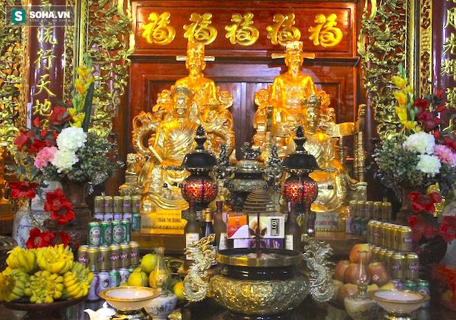 Những pho tượng dát vàng trong đền thờ độc đáo bậc nhất Việt Nam - Ảnh 28.