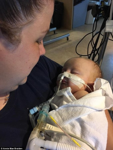 Tâm thư của một bà mẹ trẻ về việc dùng vắc xin gây bão mạng - Ảnh 2.
