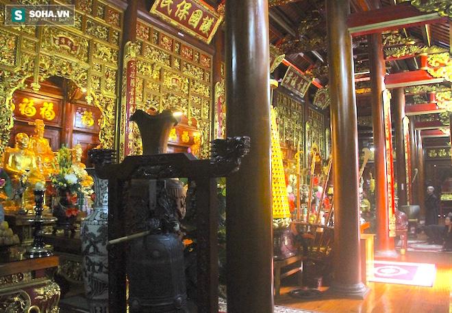 Những pho tượng dát vàng trong đền thờ độc đáo bậc nhất Việt Nam - Ảnh 30.