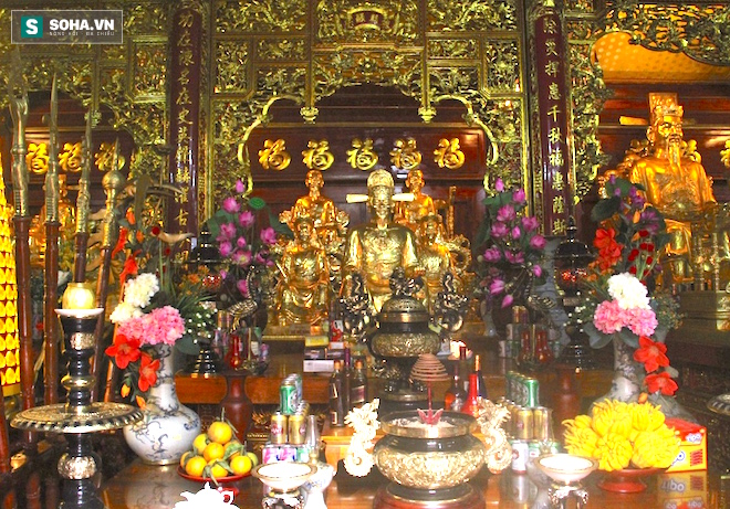 Những pho tượng dát vàng trong đền thờ độc đáo bậc nhất Việt Nam - Ảnh 26.