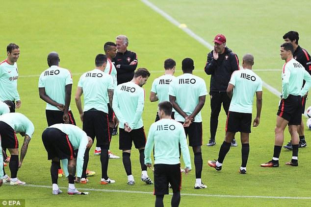 Ronaldo khoe điều khiến Ba Lan phải sợ - Ảnh 4.
