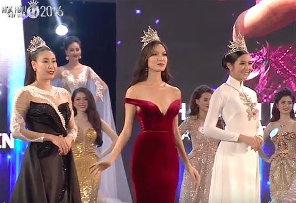 Cách mặc không thể nóng hơn của Hoa hậu Thùy Dung - Ảnh 4.