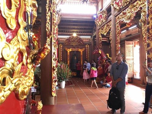 Cận cảnh bên trong nhà thờ trăm tỉ tráng lệ của Hoài Linh - Ảnh 12.