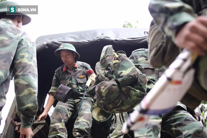 Hàng trăm chiến sĩ ngày thứ 2 tìm kiếm trực thăng rơi ở Vũng Tàu - Ảnh 4.