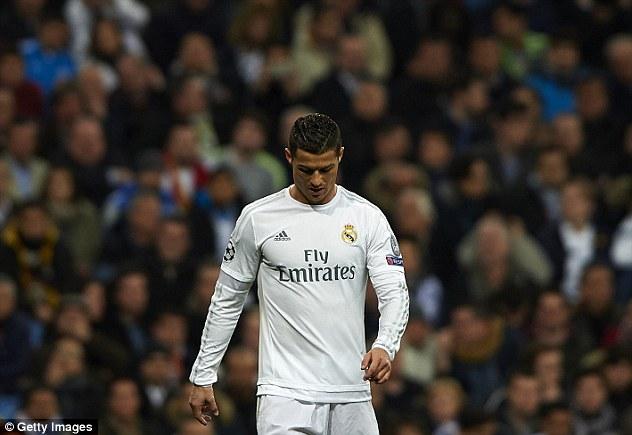 Sau giây phút vinh quang, giông bão đang chờ Ronaldo - Ảnh 3.