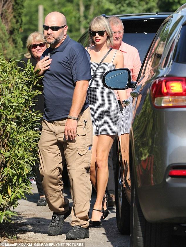 Taylor Swift - Tom Hiddleston: Tình yêu hay màn kịch dối lừa? - Ảnh 4.