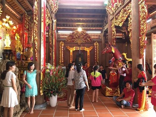 Cận cảnh bên trong nhà thờ trăm tỉ tráng lệ của Hoài Linh - Ảnh 13.