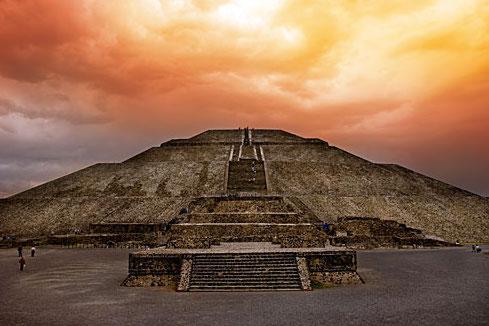 Bí ẩn về ba công trình cổ đại vẫn đánh đố giới khoa học! - Ảnh 1.