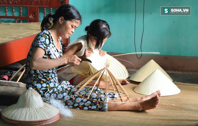 Mùa đóng góp hãi hùng ở Thanh Hoá: Xông vào nhà tịch thu cả giường ngủ để ép dân nghèo nộp tiền - Ảnh 1.