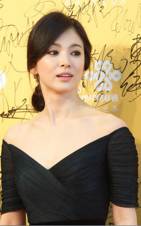 Vừa công khai hẹn hò Hyun Bin, Kang Sora đã bị so sánh với Song Hye Kyo - Ảnh 5.