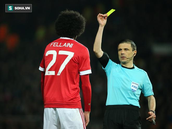 Những gì Alex Ferguson tâm huyết suốt 27 năm, Mourinho đã kịp phá sạch - Ảnh 4.