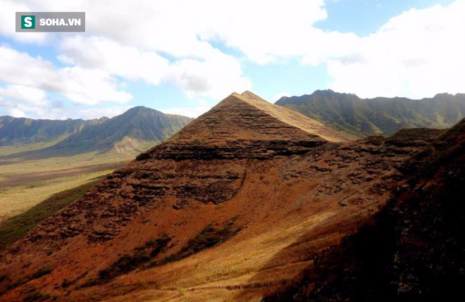 Phát hiện kim tự tháp khổng lồ tại quần đảo Hawaii? - Ảnh 1.