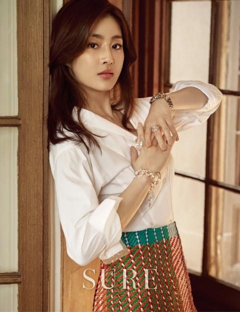 Vừa công khai hẹn hò Hyun Bin, Kang Sora đã bị so sánh với Song Hye Kyo - Ảnh 8.