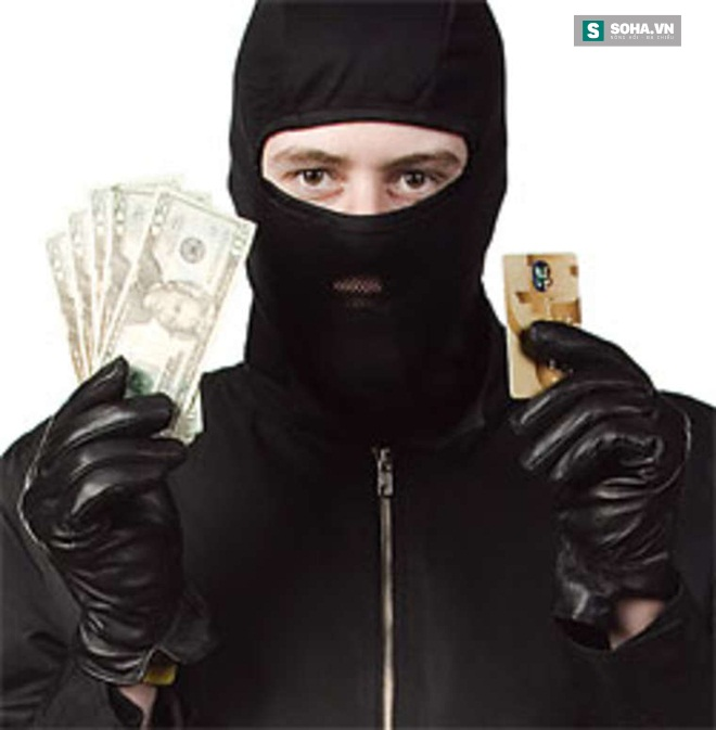 Cách đối phó để không mất tiền oan với cách trộm mã ATM tinh vi - Ảnh 1.