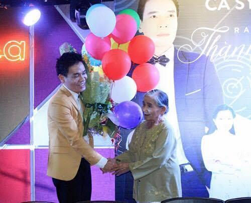 Ca sĩ Việt 50 tuổi mới ra mắt album nhạc đầu tiên - Ảnh 1.