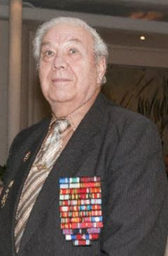 Trung tướng Nga kể lại khoảnh khắc chứng kiến phi công John McCain bị bắn rơi ở Hà Nội - Ảnh 1.