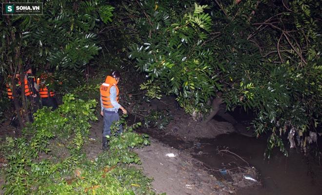 Hơn 100 người xuyên đêm tìm bé trai bị nước cuốn trôi xuống cống - Ảnh 14.
