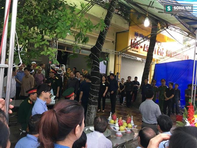 Hình ảnh 2 đám tang trên cùng một con phố ở Yên Bái - Ảnh 8.