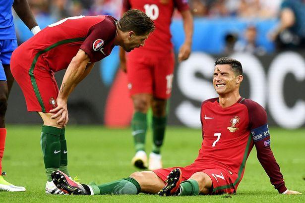 Chị gái Ronaldo tuyên bố quá sốc về chấn thương của em trai - Ảnh 1.