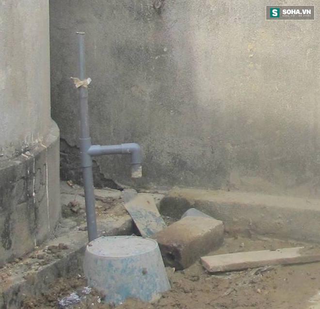 Clip: Lửa ngùn ngụt cháy từ lỗ giếng khoan ở Nghệ An - Ảnh 3.