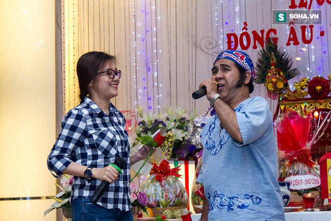 Cận cảnh tiệc giỗ Tổ của nghệ sĩ nghèo trong showbiz Việt - Ảnh 9.