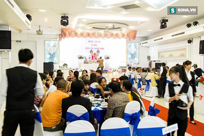 Cận cảnh tiệc giỗ Tổ của nghệ sĩ nghèo trong showbiz Việt - Ảnh 5.
