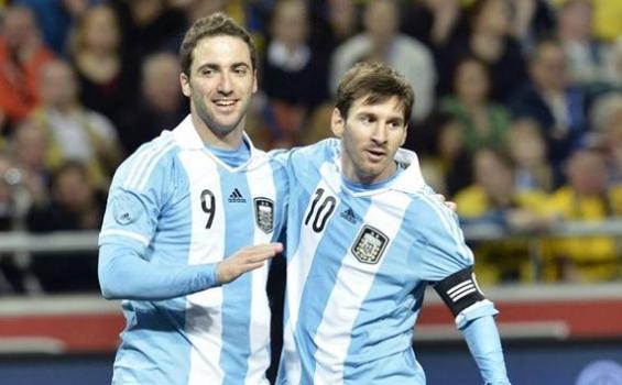 Messi gửi mật thư, cùng Ronaldo dàn xếp Euro 2016 - Ảnh 1.