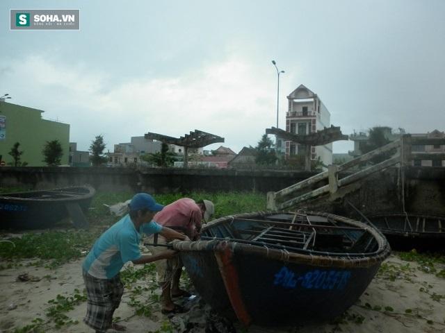 Hàng nghìn tàu thuyền đang ở vùng nguy hiểm trước cơn bão - Ảnh 2.