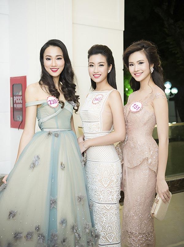 Hoa hậu Đỗ Mỹ Linh và điều dở trong cách ăn mặc - Ảnh 1.