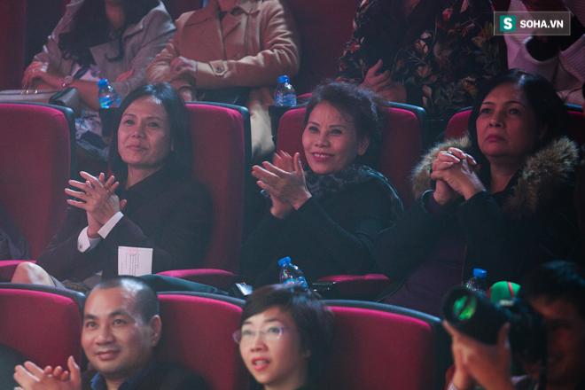 Jimmii Nguyễn không thèm trả lời trước yêu cầu khiêu khích của khán giả - Ảnh 10.
