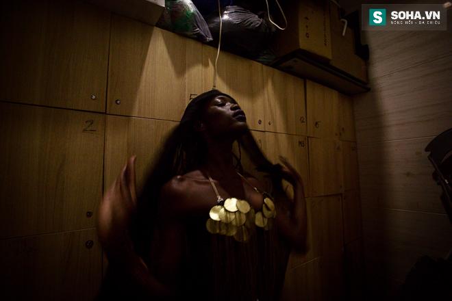 Cuộc sống mưu sinh của người mẫu Châu Phi tại Việt Nam - Ảnh 10.